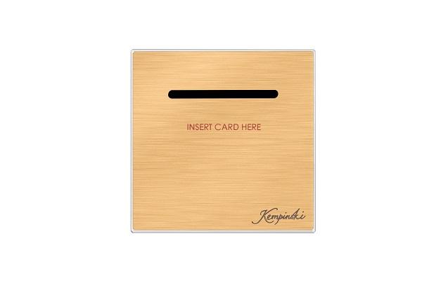 przełącznik na kartę pozlacany
